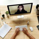 Warum ist eine Monitorhalterung nützlich?